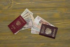 Passaporto e passaporto straniero fotografia stock libera da diritti