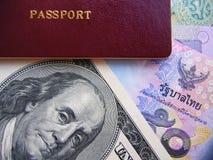 Passaporto e valute Immagine Stock Libera da Diritti