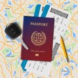 Passaporto internazionale, passaggio di imbarco, biglietti con il codice a barre e chiave sui precedenti senza cuciture della map Immagine Stock