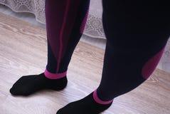Passar den termiska underkläderna för kvinnor, härligt tyg, kroppen och bröstkorgen royaltyfri bild
