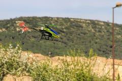 Passatempo controlado de rádio do modelo do helicóptero Imagem de Stock
