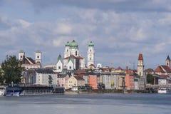 Passau-Skyline der barocken Architektur entlang dem romantischen Fluss Stockbilder