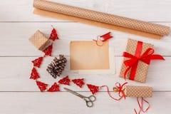 Passe-temps créatif Outils faits main pour faire le cadeau de Noël dans la boîte Photo stock