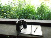 Passe-temps d'observation d'oiseau photo stock