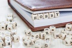 PASSE-TEMPS de Word sur la vieille table en bois Images stock