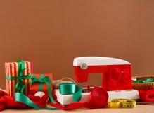 Passe-temps diy créatif, fond de cadeaux de Noël Photos stock