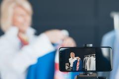 Passe-temps supérieur d'affaires de styliste de mode de vlogger de dame photo libre de droits