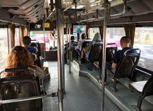 Passebgers μέσα στο λεωφορείο στη Μπανγκόκ Στοκ εικόνες με δικαίωμα ελεύθερης χρήσης