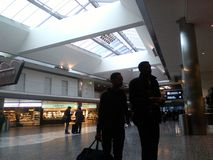 Passeggeri all'aeroporto di Zurigo fotografia stock