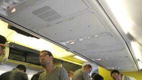 Passeggeri dentro gli aerei stock footage