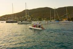 Passeggeri Ferrying in Isole Sopravento meridionali immagini stock libere da diritti