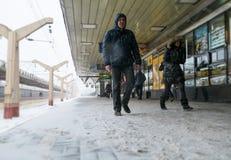 Passeggeri nella stazione di Leningradsky Immagini Stock Libere da Diritti