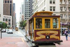 Passeggero aspettante della cabina di funivia di San Francisco Immagini Stock