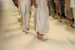 Passeggiata dei modelli il finale della pista alla sfilata di moda di Jonathan Simkhai Fotografie Stock Libere da Diritti