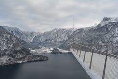 Passeggiata del cielo di Hallstatt, Austria Vista di inverno fotografia stock libera da diritti