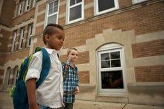 Passeggiata del cortile della scuola Fotografia Stock Libera da Diritti