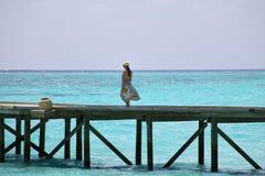 Passeggiata dell'oceano delle Maldive Fotografia Stock
