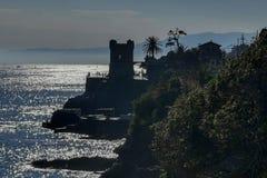Passeggiata di nervi di Genova al mare immagini stock