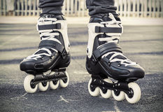 Passeggiata sui pattini di rullo per pattinare Foto modificata fotografia stock