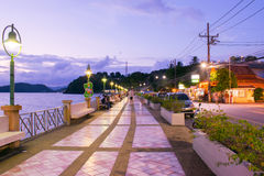 Passeggiata sul modo phuket Tailandia Fotografia Stock
