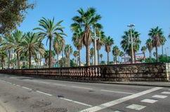 Passeig De Colom deptak przy Barcelona miasta plażą Zdjęcie Royalty Free