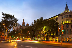 Passeig de Gracia在10月微明下 巴塞罗那 免版税库存图片