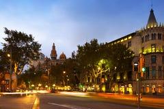 Passeig DE Gracia in oktober-schemering Barcelona Royalty-vrije Stock Afbeeldingen