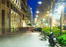 Passeig de Gracia por la tarde del invierno. Barcelona Fotos de archivo libres de regalías