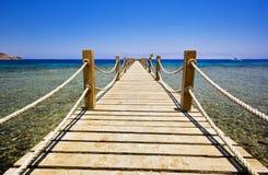 Passeio à beira mar da praia imagens de stock