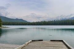 Passeio à beira mar em Jasper Canada imagens de stock