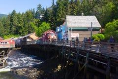Passeio à beira mar histórico da rua da angra de Ketchikan Alaska Foto de Stock