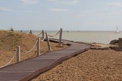 Passeio à beira mar na praia de Felixstowe Imagens de Stock Royalty Free