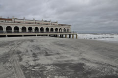 Passeio à beira mar na tempestade Fotografia de Stock Royalty Free