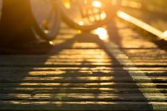 Passeio à beira mar no por do sol Foto de Stock
