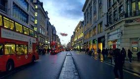 Passeio abaixo da rua de Oxford fotografia de stock royalty free