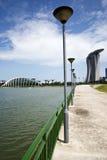 Passeio à beira mar em Singapura (Marina Bay Sands) Imagem de Stock Royalty Free