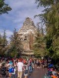 Passeio da montanha de Matterhorn na Disneylândia Fotos de Stock Royalty Free