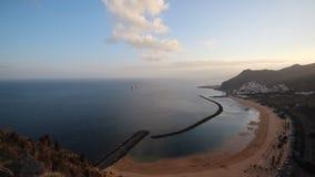 Passeio da praia - teresitas de Las do panorama da vista para o mar - Tenerife video estoque
