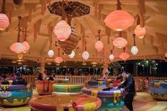 Passeio da rotação do potenciômetro de Hunny em Shanghai Disneylândia, China fotografia de stock royalty free