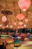 Passeio da rotação do potenciômetro de Hunny em Shanghai Disneylândia, China imagem de stock