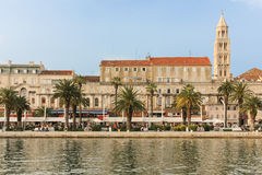 Passeio de Riva split Croácia fotografia de stock royalty free