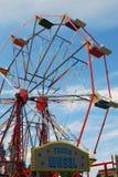 Passeio do funfair da roda de Ferris fotografia de stock royalty free