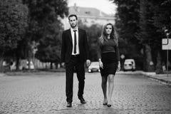 Passeio do homem e da mulher Imagem de Stock Royalty Free