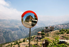 Passeio do ônibus nas montanhas Imagens de Stock