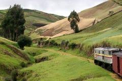 Passeio do trem de Riobamba a Sibambe imagens de stock royalty free