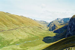 Passeio em a montanha de Huayhuash, Peru foto de stock