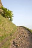 Passeio em penhascos de Salisbúria, parque de Holyrood, Edimburgo fotografia de stock