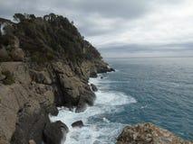 Passeio em torno do beira-mar de Portofino em Liguria foto de stock royalty free