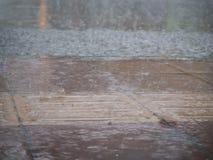 Passeio inundado pela chuva Foto de Stock