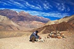 Passeio na montanha do circuito de Annapurna, Nepal Imagens de Stock Royalty Free